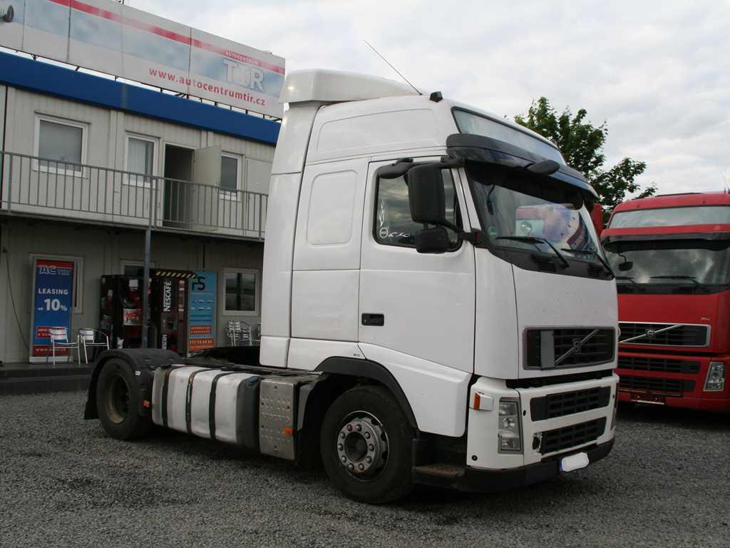 Volvo FH13.A440 EURO 5 TAHAČ NÁVĚSŮ , 4X2