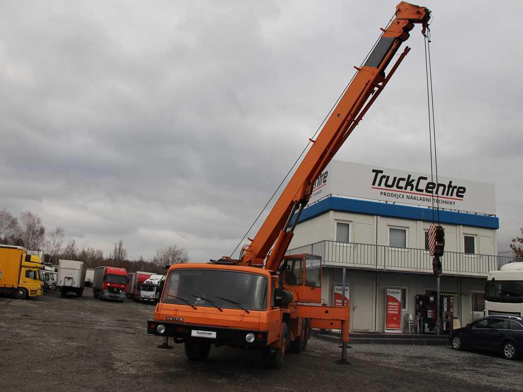 Tatra T 815 AD28 PÉRA