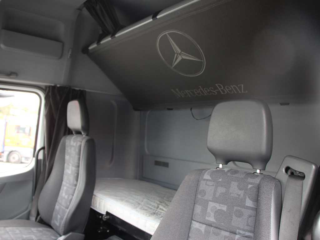 Mercedes-Benz AXOR 1833 L VALNÍK PLACHTA, MANUAL, EURO 3