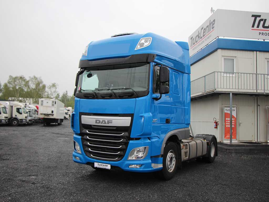 DAF XF 106.460 SUPERSPACE CAB, STANDARD